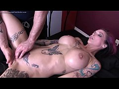 Anna Bell Peaks Gets...