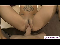 Amateur woman pounded at the pawnshop