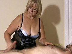 Clip sex Big titted professional masseuse sensually massages client and his cock