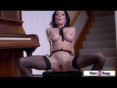 placer sexual en Pornstar Tease - Jessica gets naked and masturbate for all