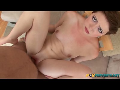 SHORT HAIRED TEEN EMMA SNOW RECEIVES A CREAMPIE IN POV