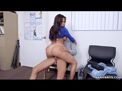 Huge Tit Latina in Porn Casting