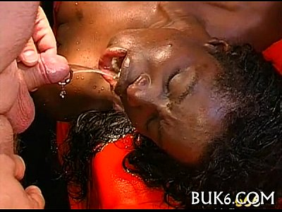 placer sexual en Pissing three-some game