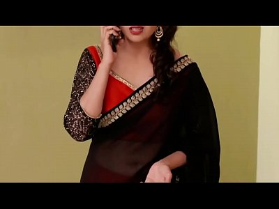 Divyanka Tripathi hot Deep Navel in low hip saree