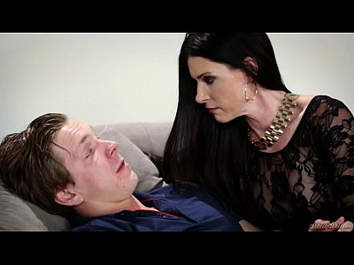 Russian man trapped in a crazy MILF's house – India Summer