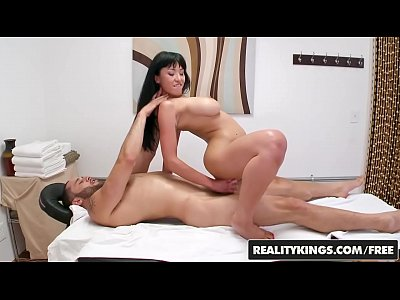 Asian masseuse sixtynines and tugs client 6