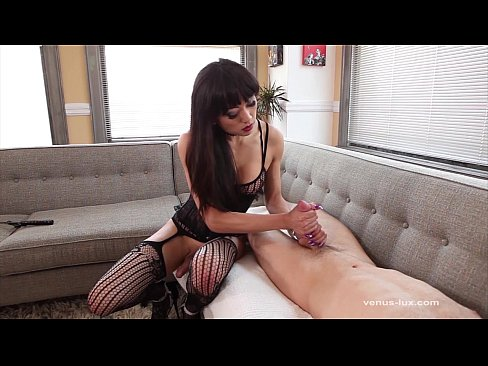 Dominant venus lux fucks her submissive guy bareback