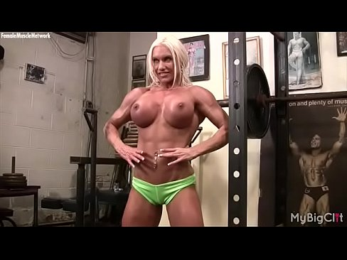 Three muscle women fuck some wimp xvideos com