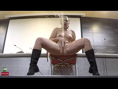 Masturbation With An Amazing And Huge Squirting By Beautiful Pamela