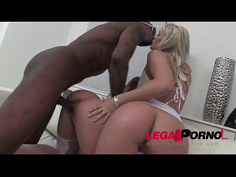 Clip sex Blue Angel & Blanche Bradburry in interracial anal threesome