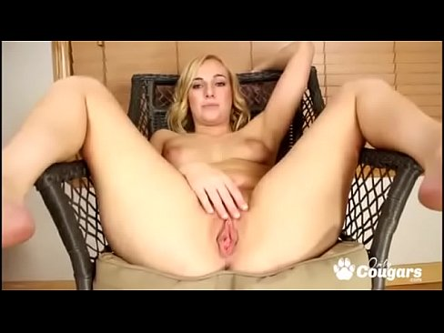 Bbw cougars spread wide pussy