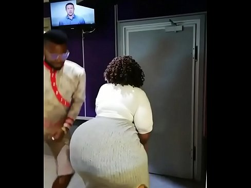 Big booty shakes Ass