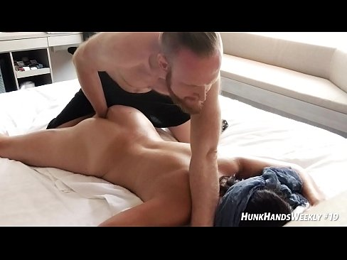 """hot swinger DRENCHED my hotel.. INTENSE massage with a real amateur in Singapore! ▰ HunkHandsWeekly#19 ▰ HunkHands.com/TOUR ▰ ««You voted! I'm in SG July 27!»» Press """"12k"""" below to get next week's episode!"""