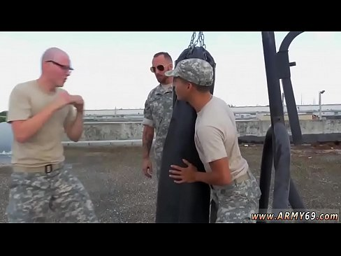Ebony army gay anal xxx Staff Sergeant knows what is hottest for us.