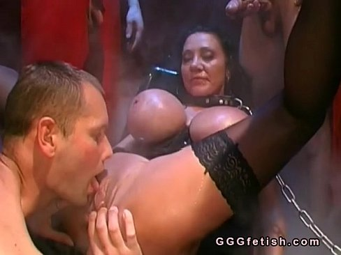 Babes gets pussy licking and gives cocks licking