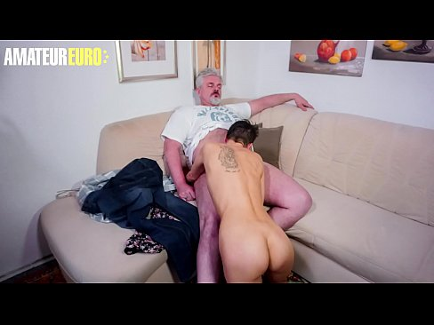 Clip sex AMATEUR EURO - Lonely Wife Call The Neighbor Fo Some Fun While Husband It's Working