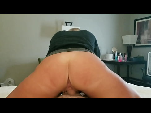 Amateur wife rides reverse cowgirl