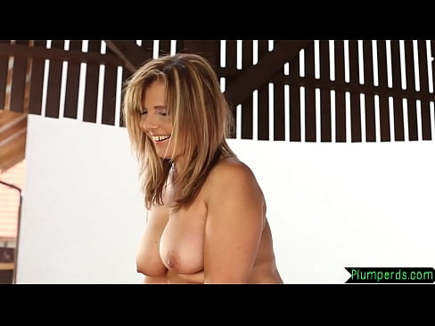 Chubby bigtits milf gets pussylicked