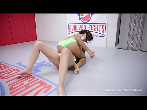 Daisy Ducati vs newcomer Ashlee Juliet naked women wrestling with pussy eating and double finger fucking