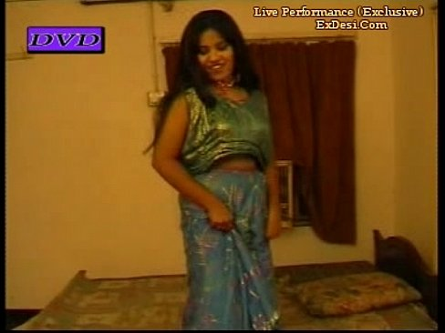 Boobs show mujra