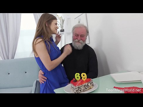 Clip sex Old-n-Young.com - Sarah Kay - Happy birthday and happy orgasm!