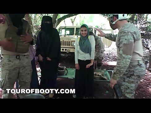 Clip sex TOUR OF BOOTY - American Soldiers Getting Sweet Arab Pussy During Downtime