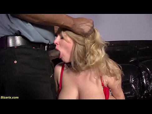 Girl gets fucked in her pussy