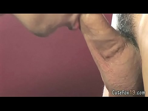 Two horny gay boys kiss and give head