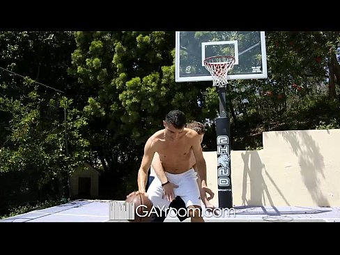 HD – GayRoom Hot guys grinding on the basketball court