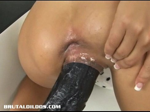 Sophia gently gets dug out by a brutal dildo machine 8