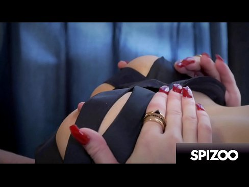 Hot MILF Jessica Jaymes in a Flawless and Sexy Solo Masturbation Scene