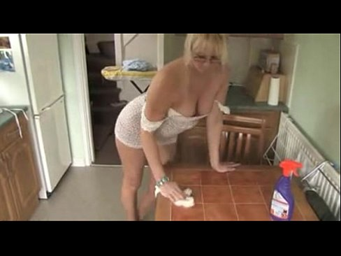 Amature milf cleaning clips