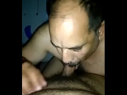 Indian gay daddy suck dick - XVIDEOS COM