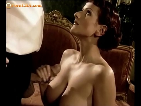 Clip sex Wife group in castle