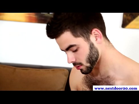 Muscled jock gets his thick dick sucked