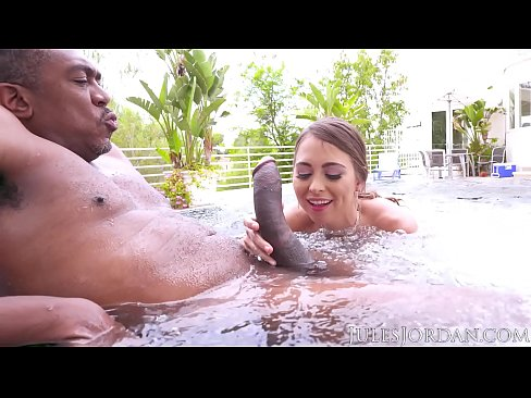 Clip sex Jules Jordan - Riley Reid Found Dredd's Sea Monster. It Finds Its Way To Her ASS!