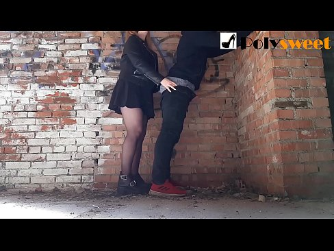 Clip sex Fucked her BF in an abandoned building (Pegging)