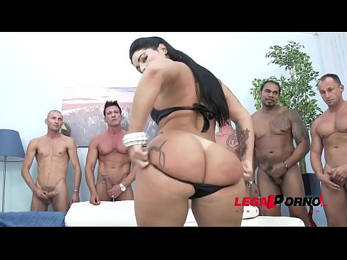 cover video Big Booty Gangs ter Bitch Monica Santiago Gang a Santiago Gangbang With Messy Swallow