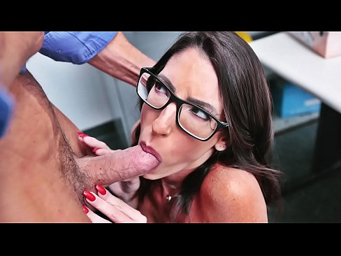 Shoplifter Milf Dava Foxx Have To Get On Knees to Fuck and Suck Owner