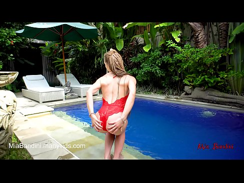 cover video fit teen pas sionate fucked and facialized near the outdoor pool  mia bandini