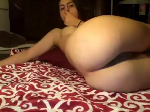 Wow hot amateur showing smooth ass and humped pussy