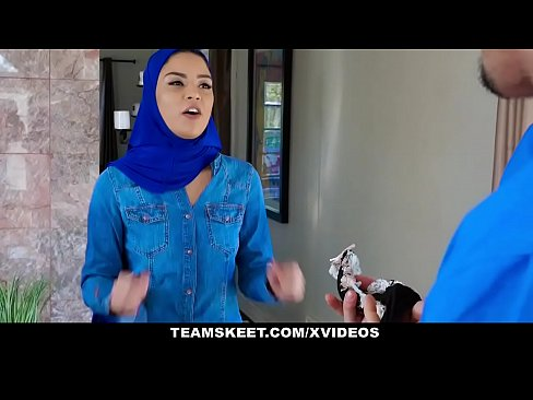 ExxxtraSmall – Hot Muslim Chick Gets Double Cumcockted