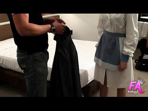Clip sex GIRLS ALSO FALL IN: I got the laundry girl horny and I gave her a SQUIRTING