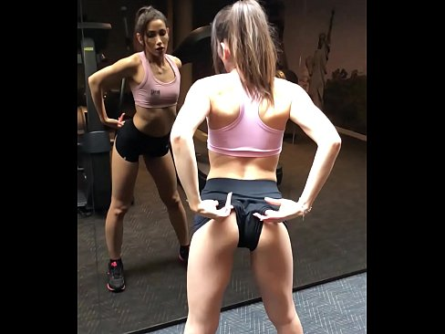 Clip sex Brunette showing her ass at the gym