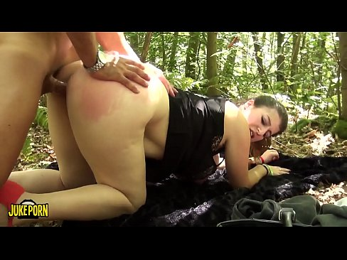 Clip sex Fucking in the woods