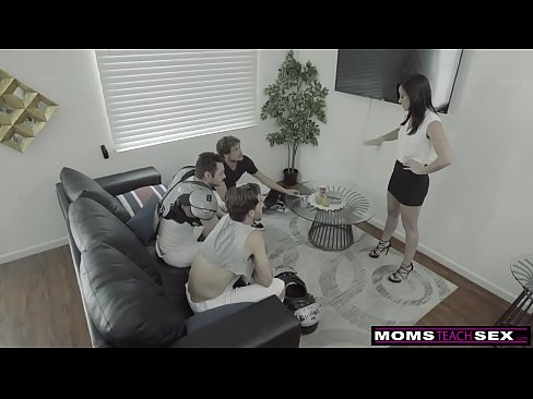 MomsTeachSex - Step Mom Shows My Football Team How To Fuck S11:E3