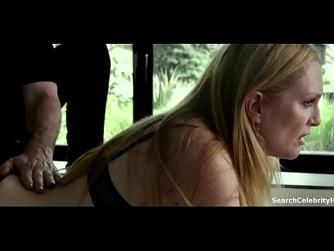 Julianne Moore in Maps to the Stars 2016