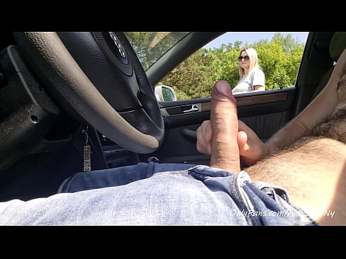 I take out my cock in a car near beach area, this unknown girl is shocked !!!