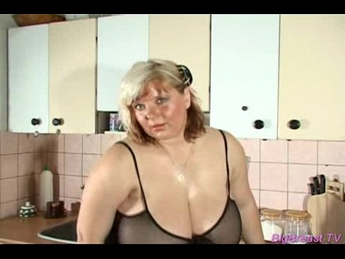 Chubby babe with huge breasts's Thumb