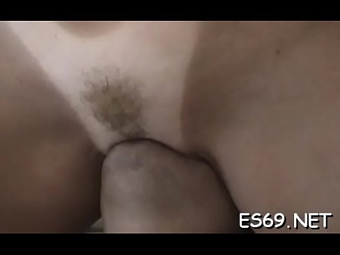 Clip sex Appealing babe fucks on camera